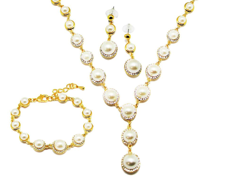 Jawaherat Victoria Pearl Necklace Set #jewelry #jewelries #gold #