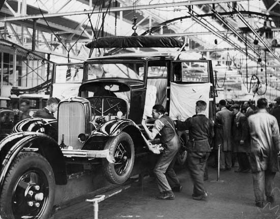Dagenham England Ford Assembly Plant With Images Ford Motor
