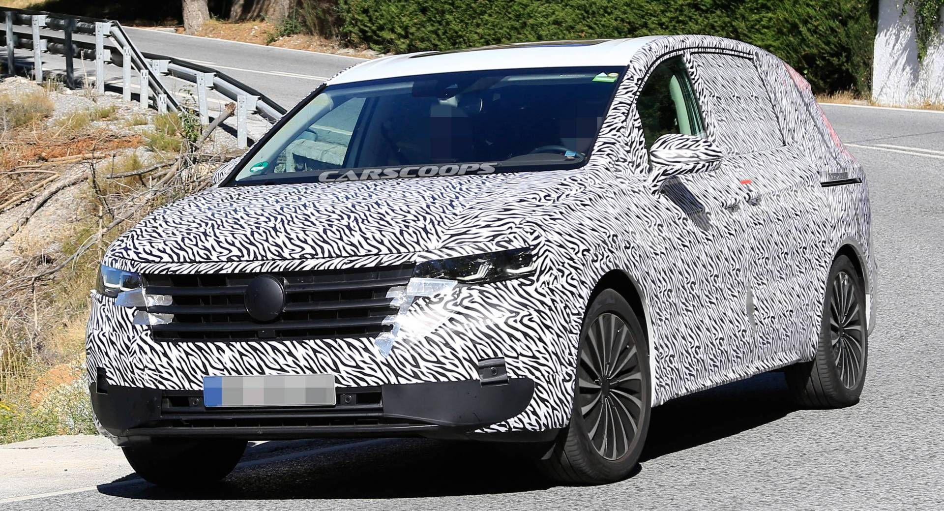 Vw S Massive 2020 Viloran Minivan For China Spotted Testing In