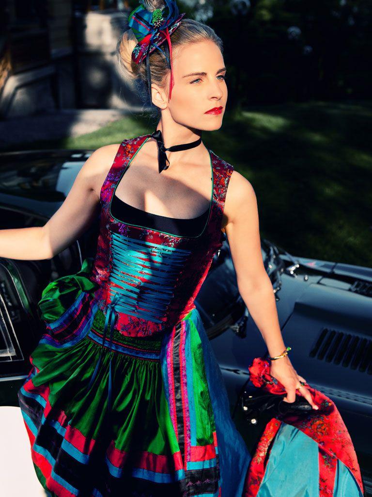 Farbflash: Michaela Keune Dirndl H/W 2011/12