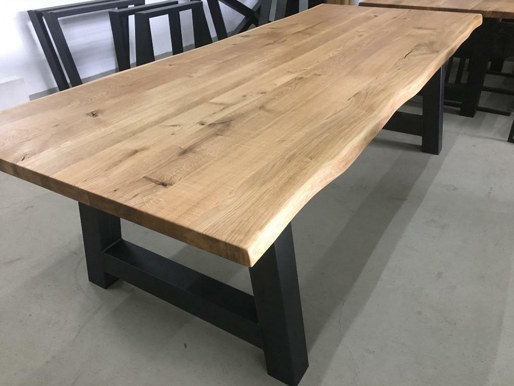 Holztisch aus massiver Eiche in Nordrhein Westfalen
