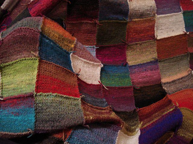 Gebreide deken van Noro Kureyon