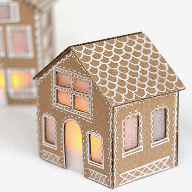 DIY: tiny cardboard gingerbread houses