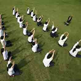 #Yogainstructor in delhi,yoga instructor for #housewife ,yoga #classes for house wife http://athasyoga.com/