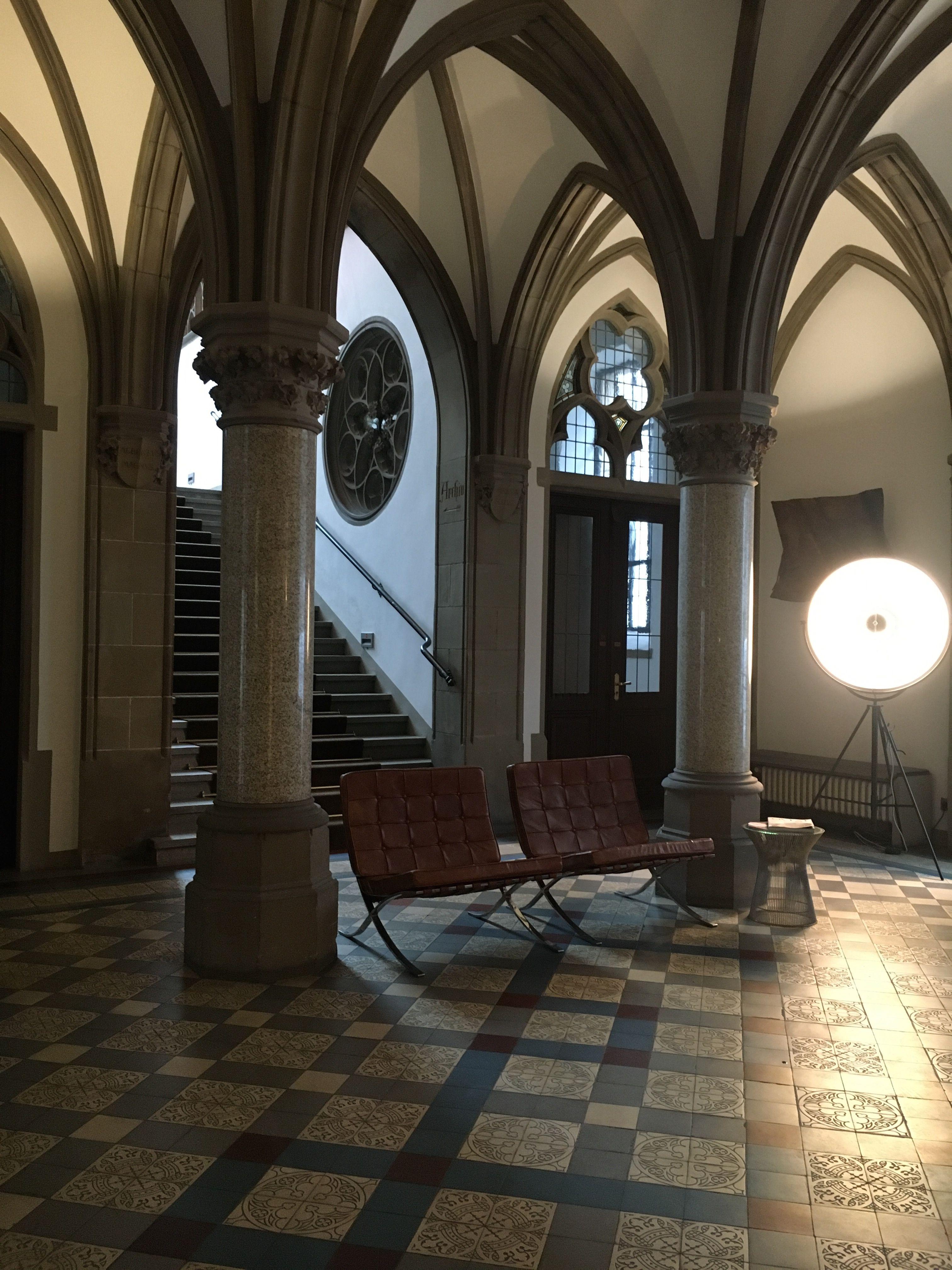 Luxury Showcase For Living Room Royal Art Deco: THE QVEST HOTEL At Köln