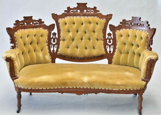 Learn To Recognize 11 Antique Couch Sofa And Settee Styles Antique Couch Antique Furniture Victorian Couch