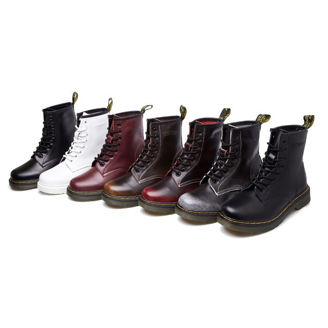 De cuero de estilo británico mujeres Martins Botas de trabajo de la  motocicleta militar botines con cordones zapatos otoño invierno para mujer  Botas ... 726395f6c9ae