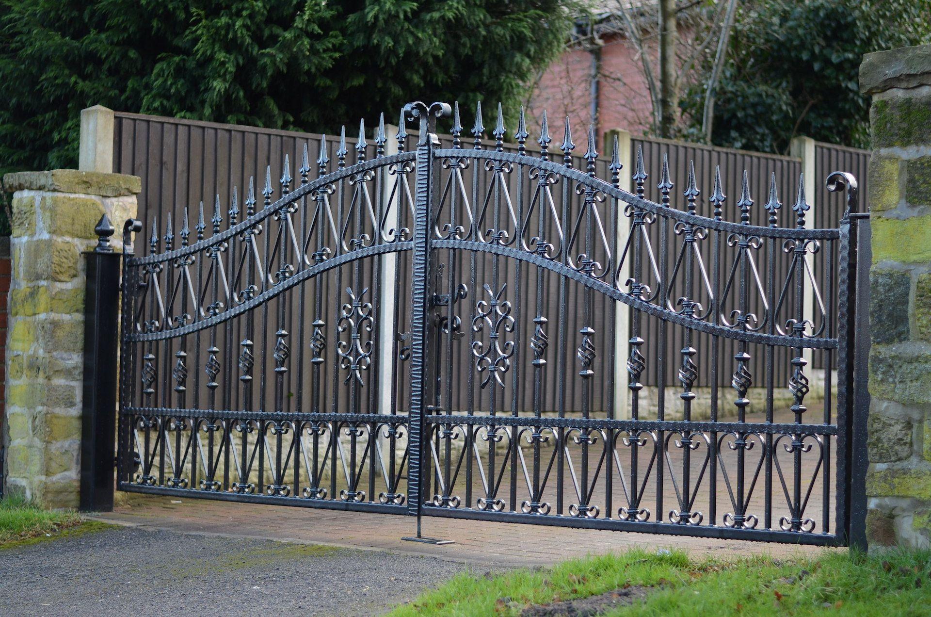 20 Best Wrought Iron Gates Iron Fence Gate Wrought Iron Gates