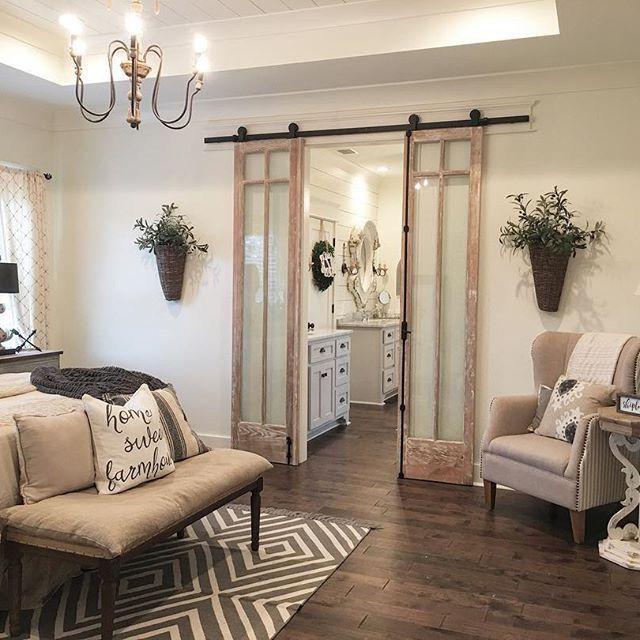 30 Small Yet Amazingly Cozy Master Bedroom Retreats: Blueprint For Interior Design When Choosing Art