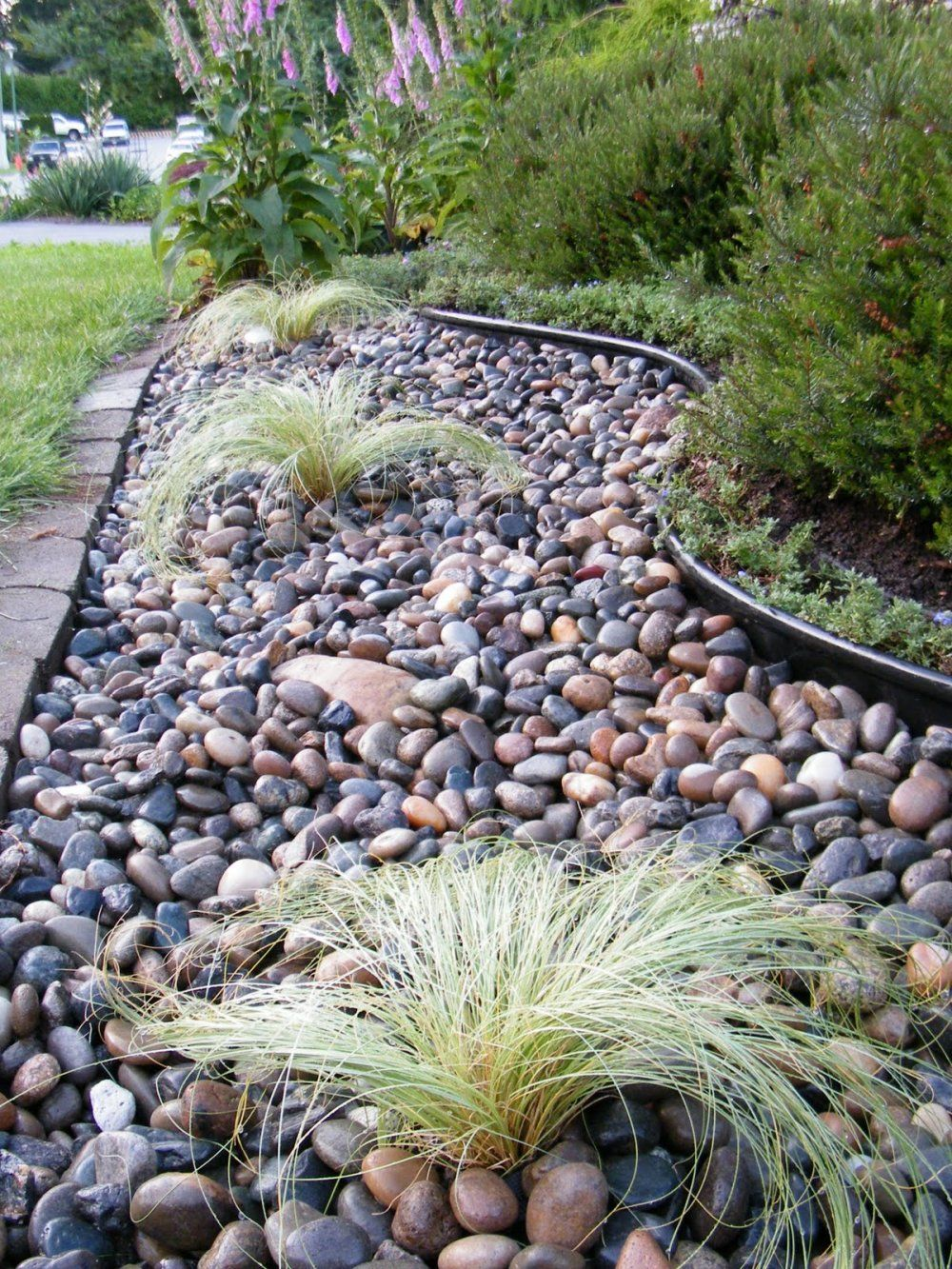 River rock landscaping bakersfield pinteres for Garden design ideas using pebbles