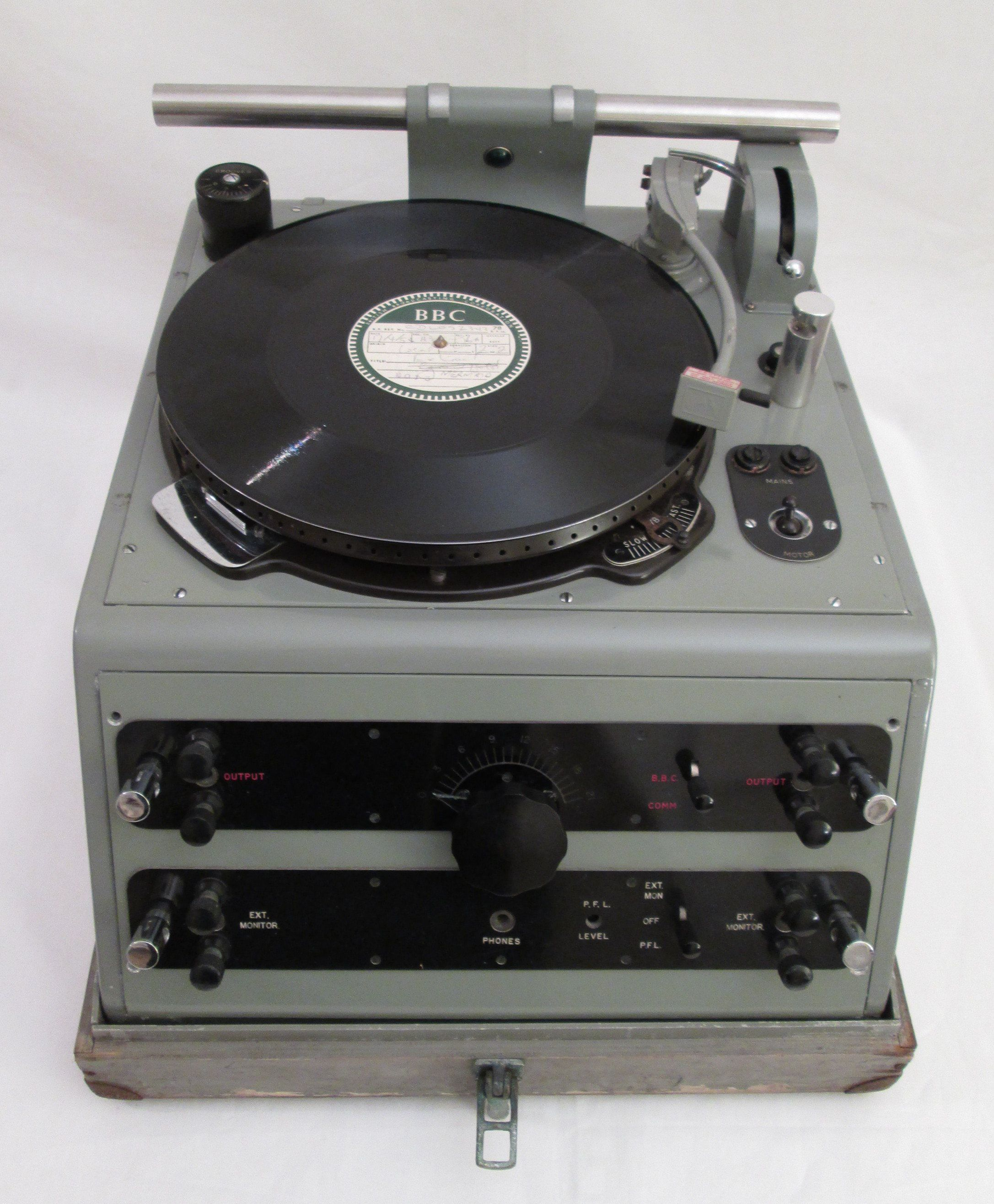 late 1930 s bbc outside broadcast turntable record player