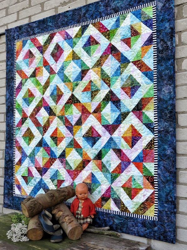 All your favorite BeColourful quilts are featured on this website. We base all our patterns on the paper piecing method. If paper piecing is your thing andyou are looking for a challenge, we invite...