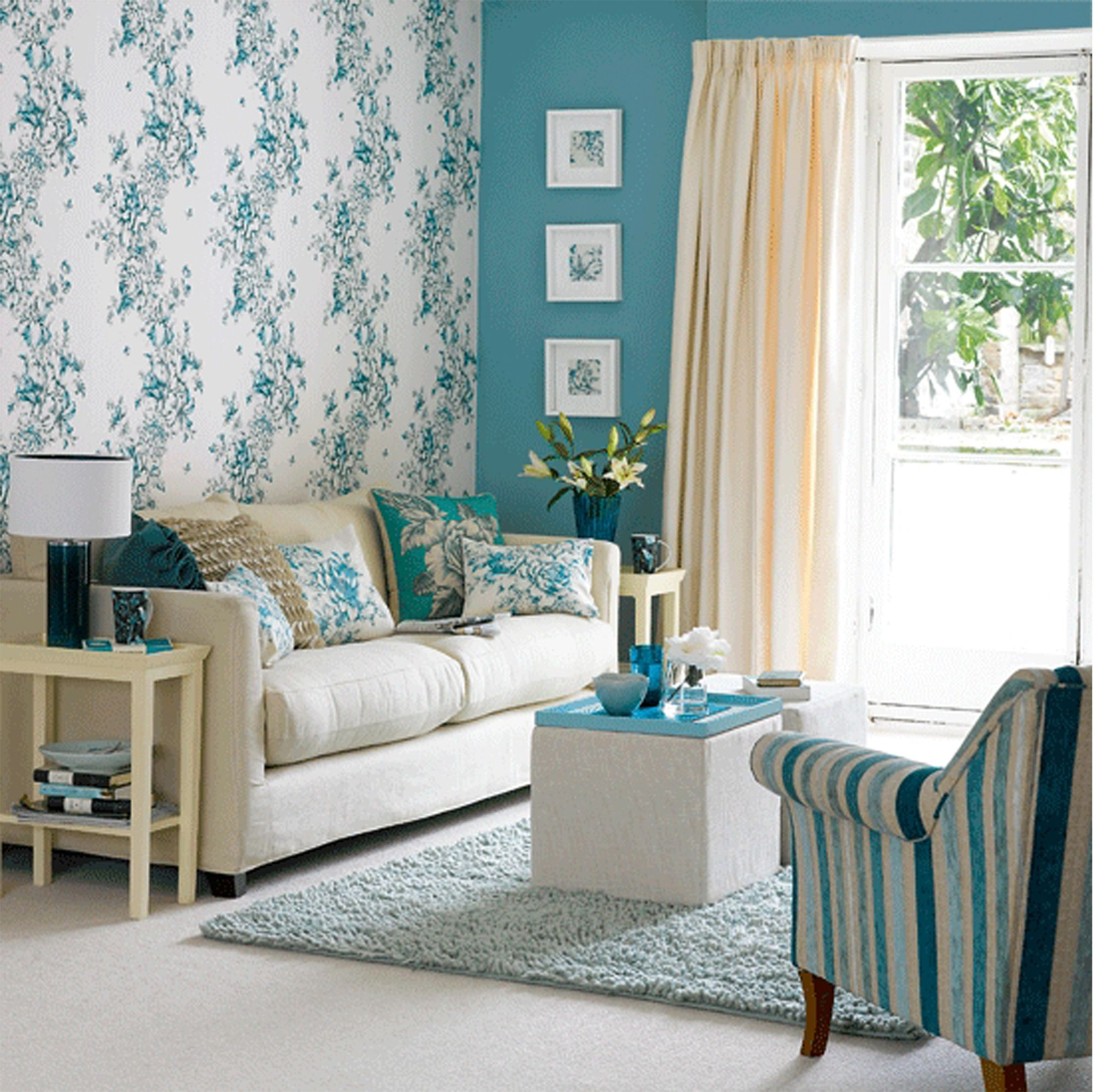 Teal and yellow living room - Retro Floral Wallpaper Design Ideas For Small Living Room With Yellow Curtains