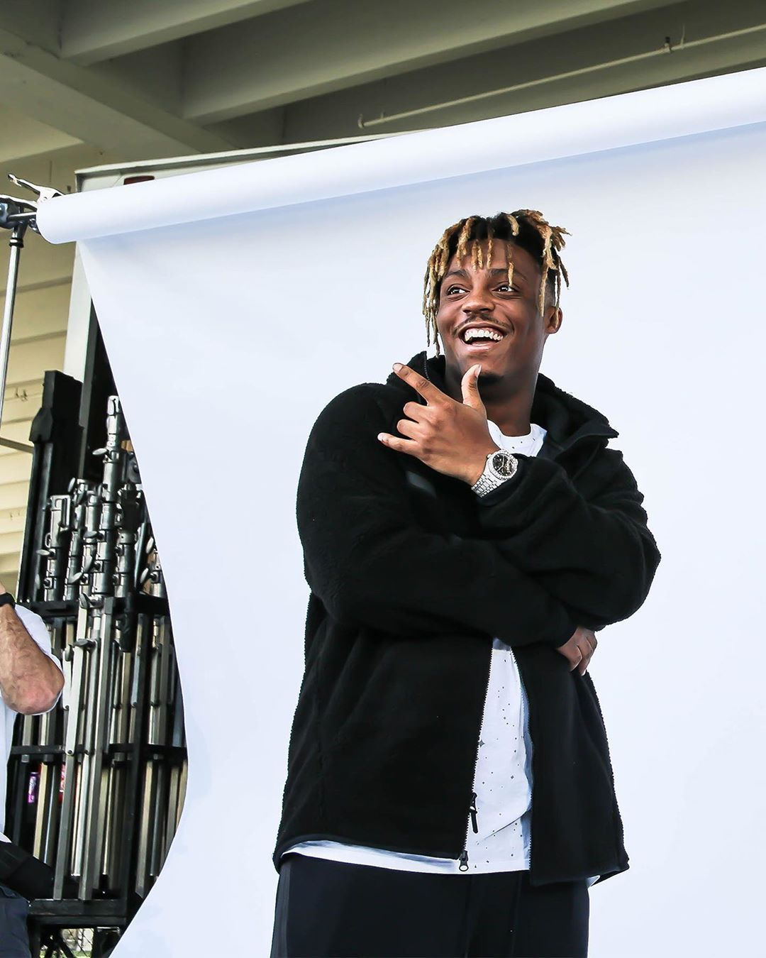 """Foot Locker on Instagram: """"RIP to our friend @juicewrld999. He will be missed. Prayers go out to his family and friends!"""" #juicewlrd"""