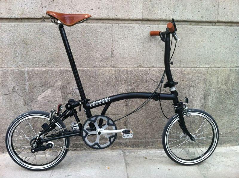 Black Bromtpon Brooks Saddle And Grips Sepeda