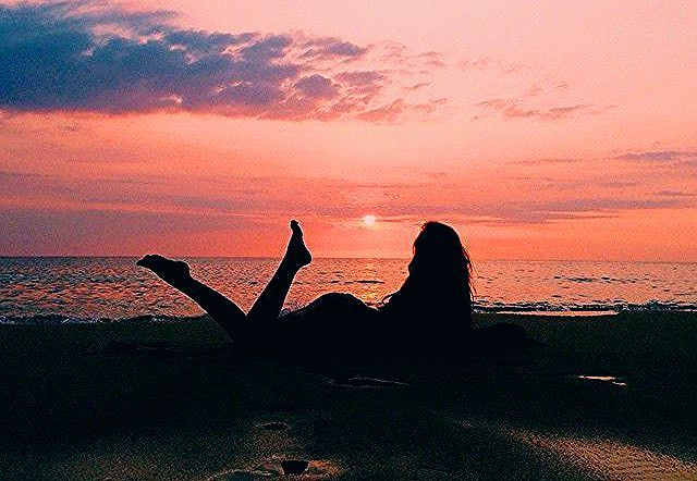 Photo of Sunset skies discovered by 𝓜𝓲𝔃𝓴𝓪𝔂𝓽 on We Heart It