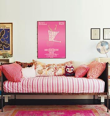 girl's room, pink, patterns, mobie poster, pillows, boho, Amanda Peet
