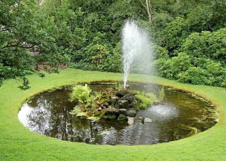 Estanque natural redondo fuente central dise o fuente de for Diseno de fuente de jardin al aire libre
