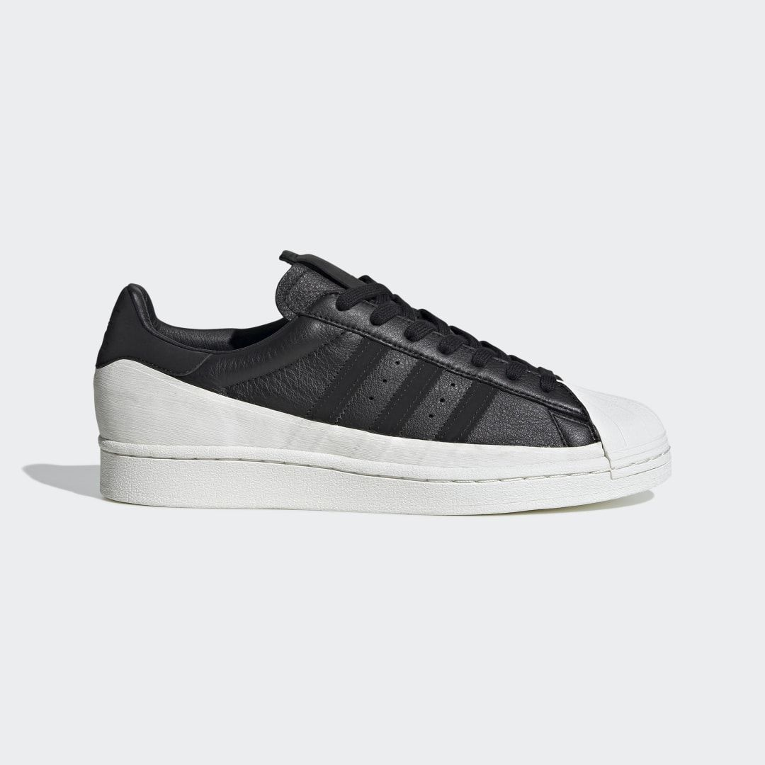 adidas superstar nere outfit
