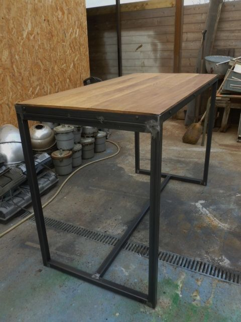 Meuble industriel table mange debout sur mesure idees for Meuble bar mange debout