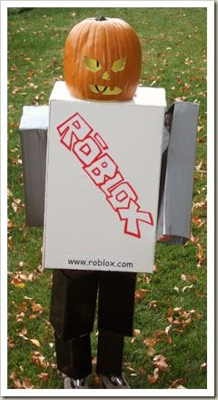 Right On Time To The Roblox Costume Party Costume Party Roblox