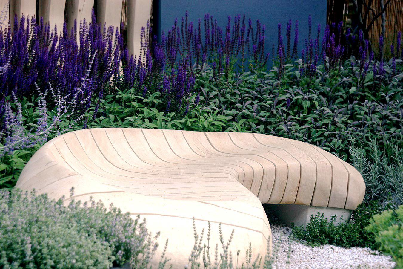 RHS Hampton Court Healing Urban Garden (HUG) - Rae ...