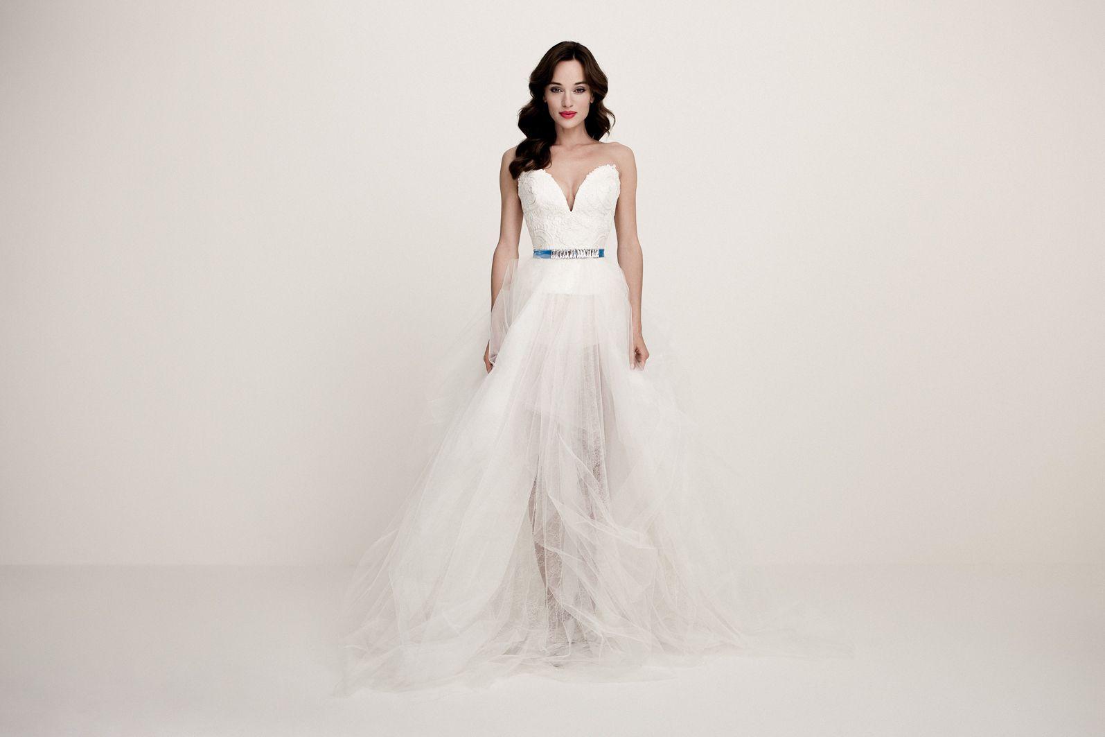 Daalarna - Benes Anita divattervező egyedi tervezésű esküvői és alkalmi  ruhái. 7e031a96b7