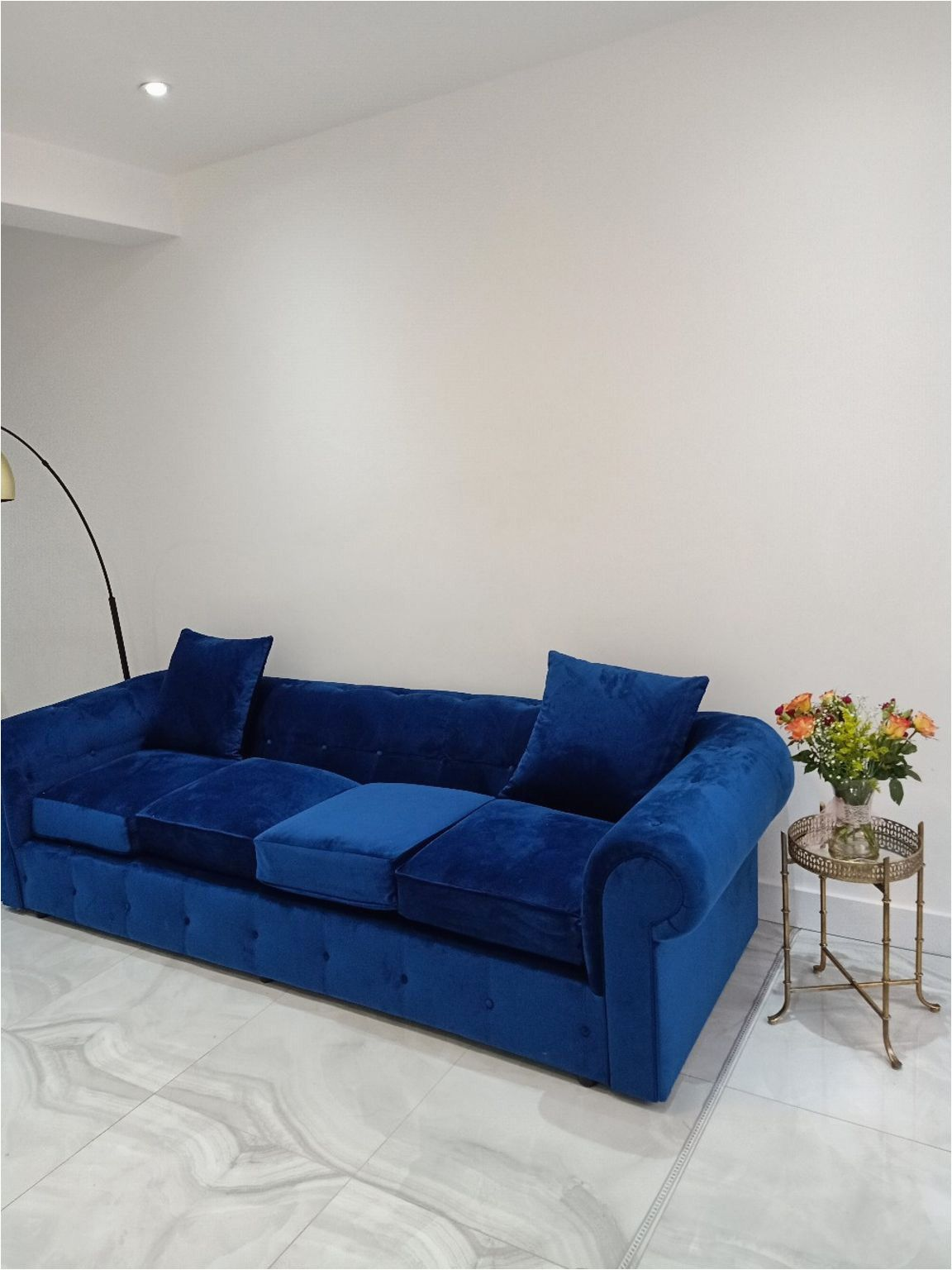 Royal Blue Sofa Bed In 2020 Royal Blue Sofa Blue Chesterfield Sofa Sofa