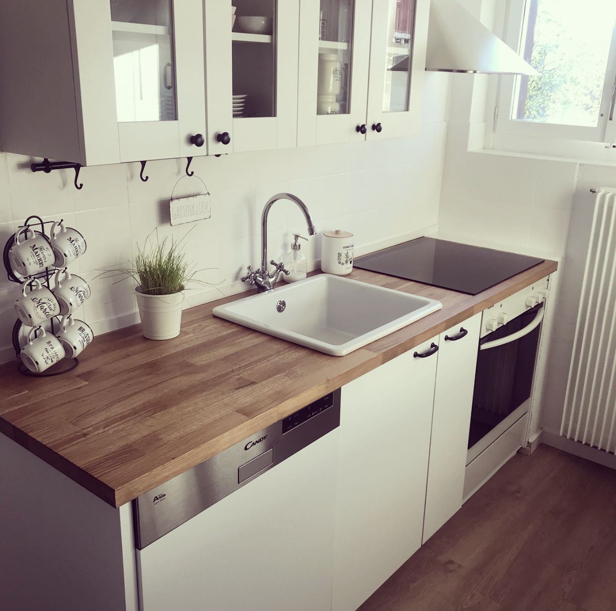 Knoxhult Ikea Kuche Vavedal Karlby Ikea Karlby Knoxhult Kuche Vavedal In 2020 Kitchen Design Small Kitchen Design Ikea Kitchen
