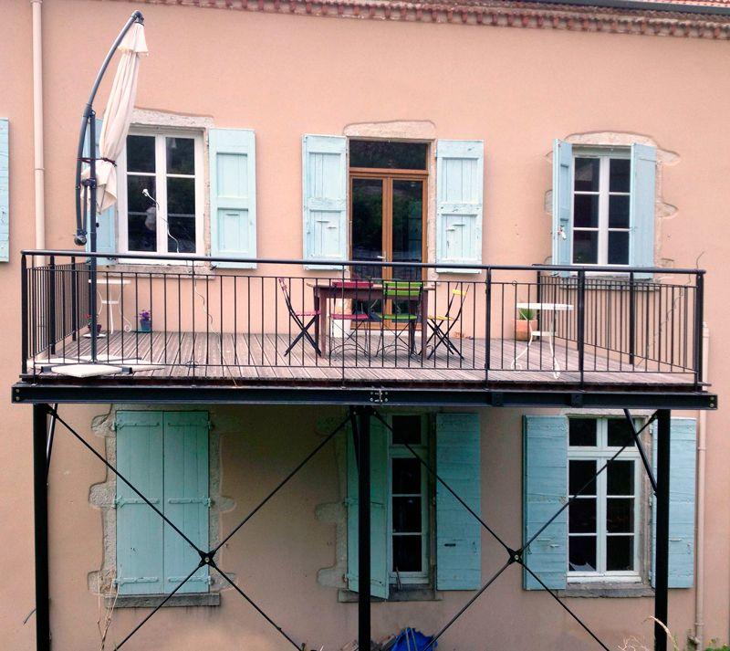 Balcon Et Structure En Acier Sublimant Votre Extérieur: Terrasses En Métal (acier) Et Bois, Robustes