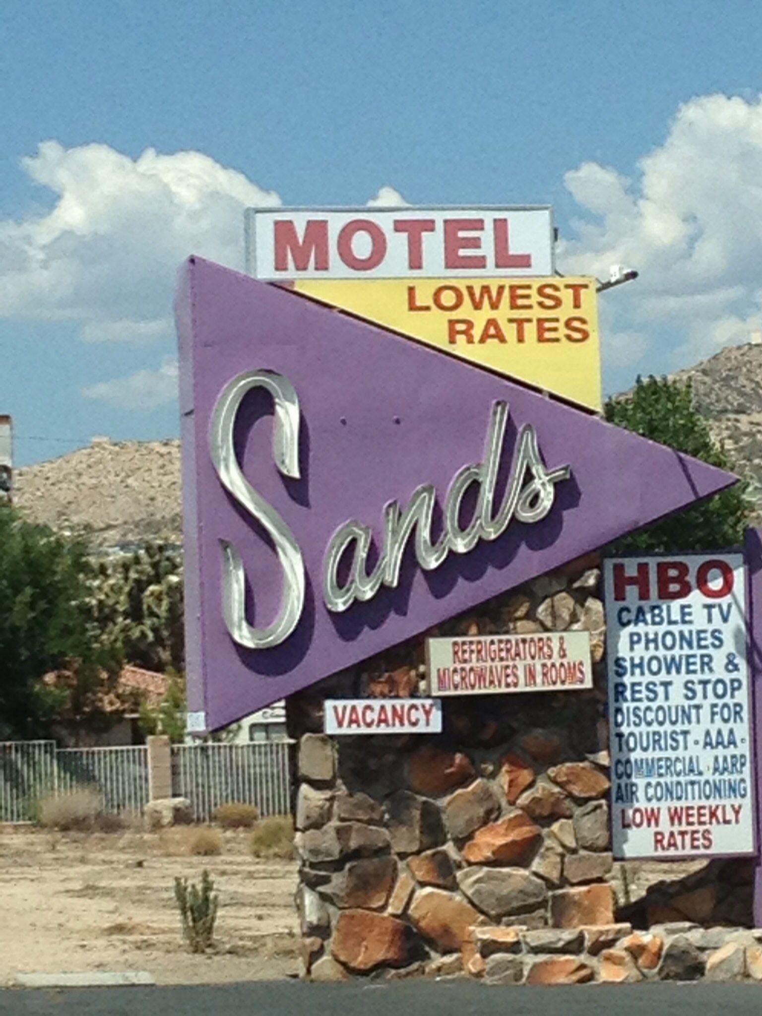 Yucca Valley, CA Yucca valley, Desert homes, Hot desert
