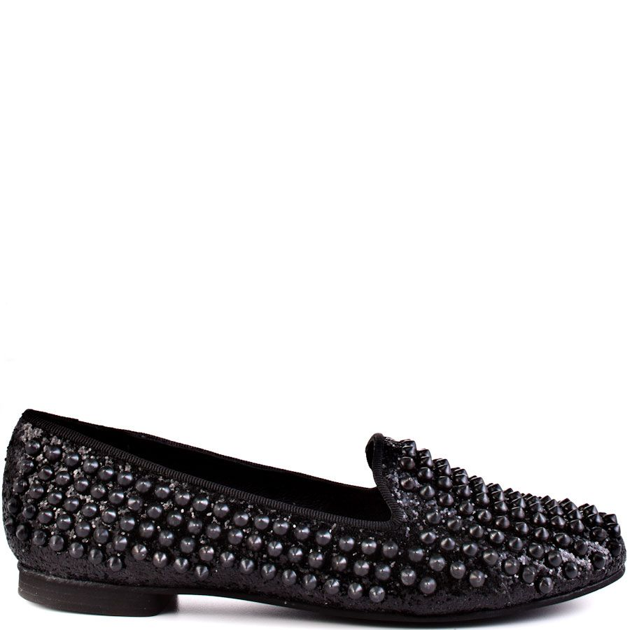 Find your handsome stud in this Steve Madden flat. Studdlyy features a  sparkly black glitter