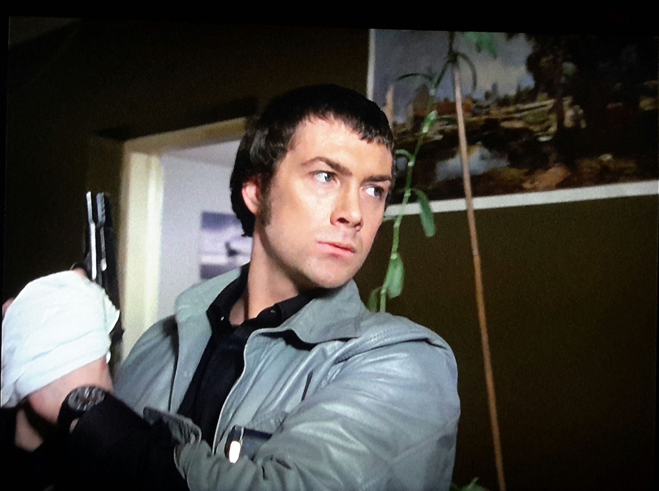 gorgeous lewis collins (ali15son) xx