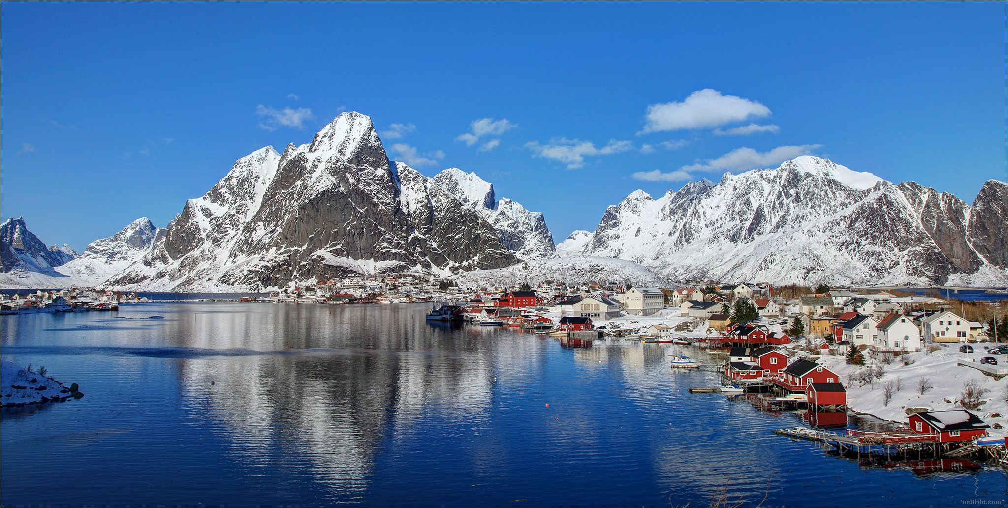 https://flic.kr/p/CYjP55 | Lofoten panorama (Explored) | A calm and sunny winter day in Lofoten. This panorama is from Reine, one of the very nice places in Lofoten, Norway