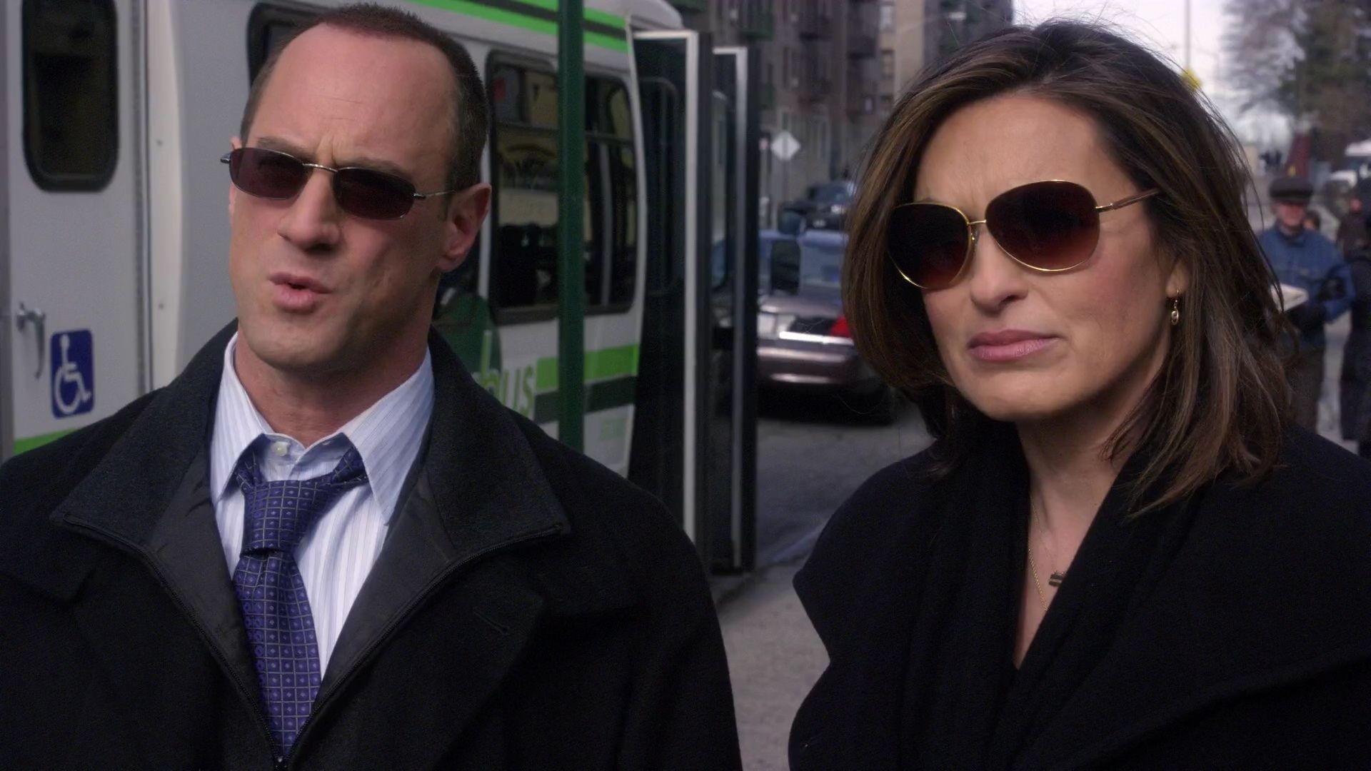 Detectives Elliot Stabler Olivia Benson Season Eleven Law And Order Svu Special Victims Unit Benson And Stabler