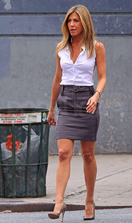 Jen Wearing The Perfect Pencil Skirt  Jennifer Aniston -1072