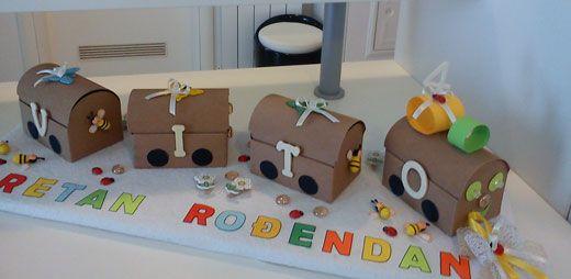 ideje za dječji rođendan u vrtiću Torta od kartona (vlak). Originalna ideja za dječji rođendan u  ideje za dječji rođendan u vrtiću