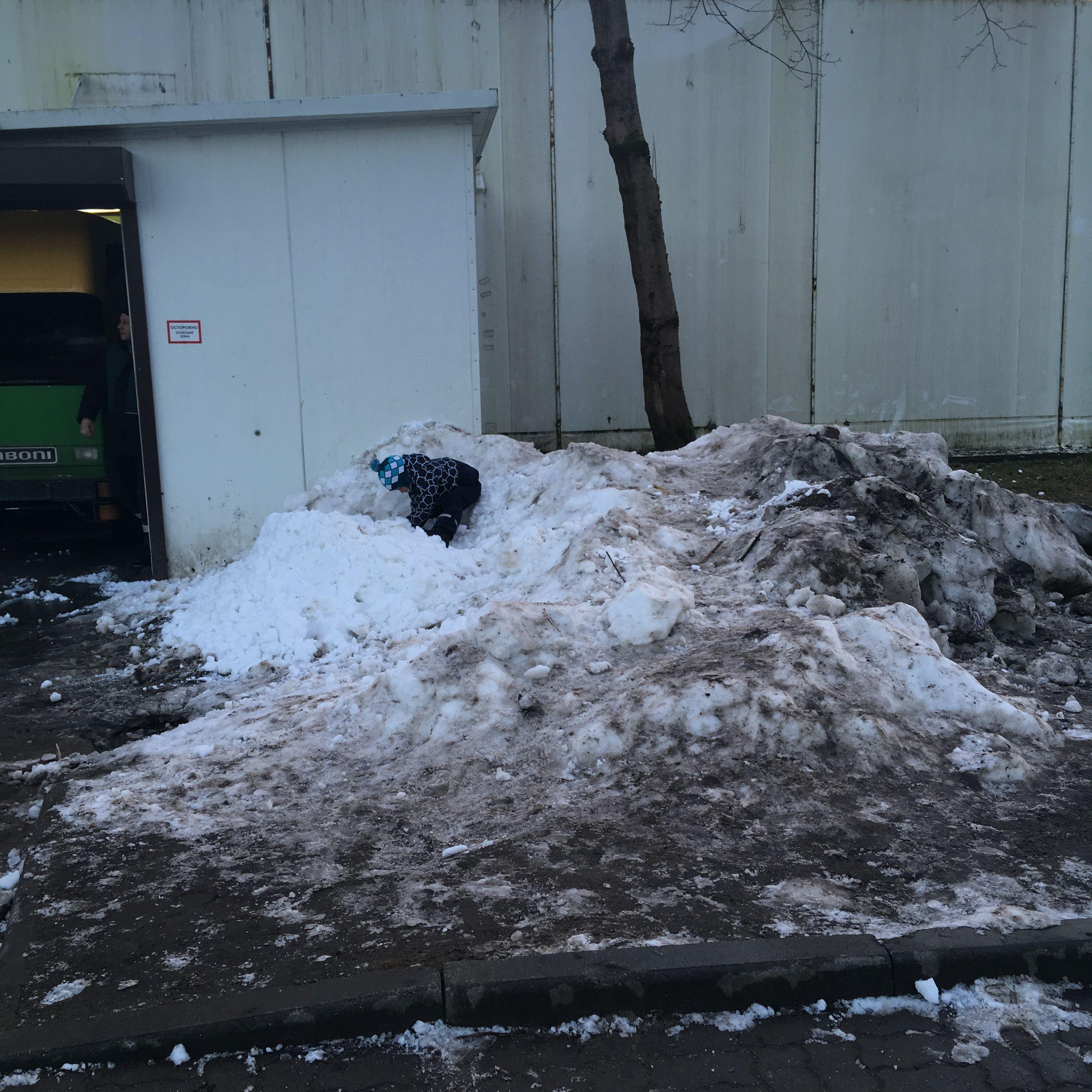 Снег - лучший аттракцион! Фото: Vladimir Shveda