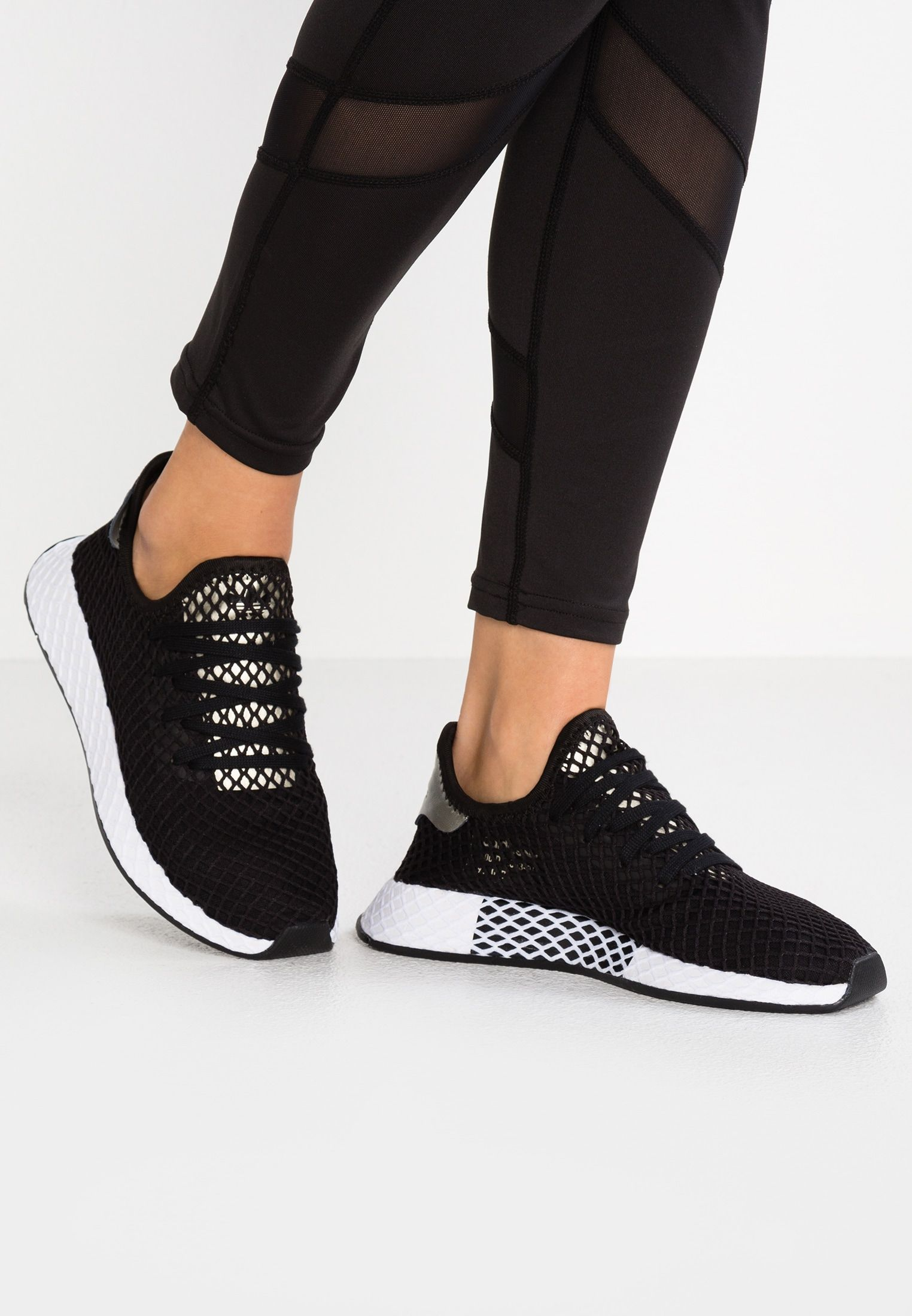 ae3b90f64 adidas Originals DEERUPT - Sneaker low - core black tech silver Metallic -  Zalando.
