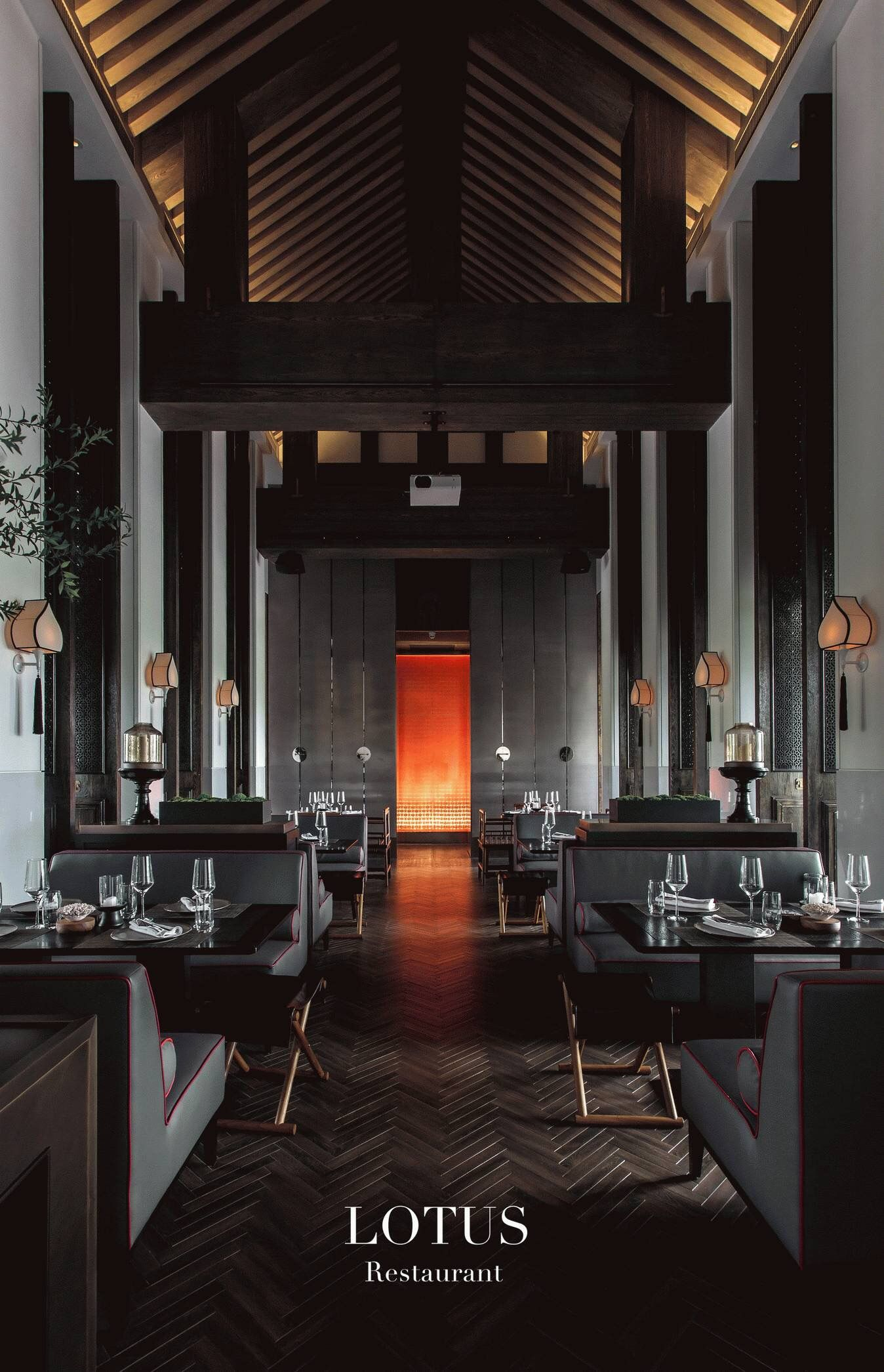 Classic Asian Restaurant Interior Design With Traditional