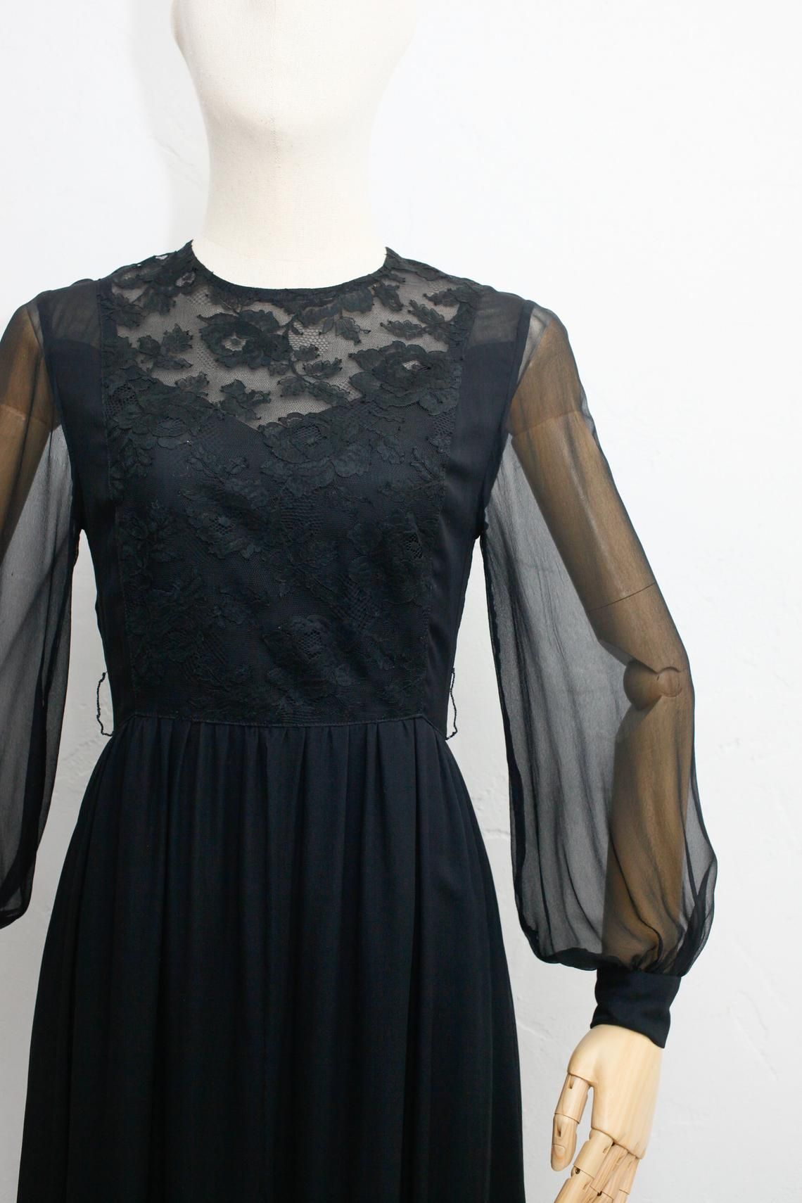 a1e9cd4efbe6e Hanae Mori 70s Vintage Silk Dress | Japanese Vintage Dress | Black ...