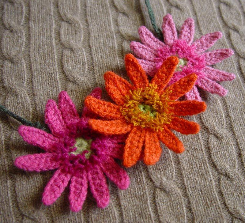 crocheted gerbera http://meekssandygirlscrochet.blogspot.com/