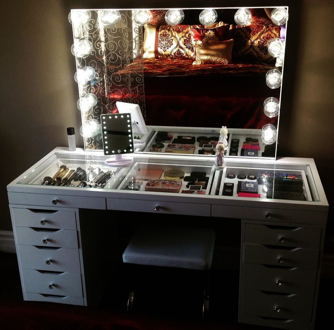 Makeup Bag Black Enough Makeup Looks Mirrored Vanity Desk Bedroom Vanity Set Bedroom Vanity With Lights