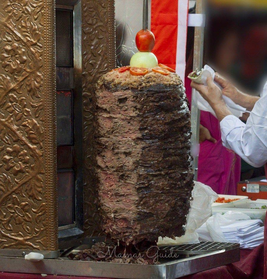 Beef shawarma with pita bread and garlic yogurt sauce recipe food forumfinder Gallery