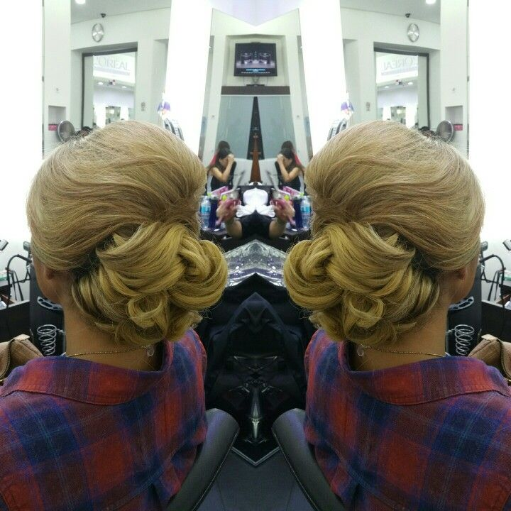 #hair #cabello #updo #recogido #axelupdo #axelrecogido #hairdresser #hairstylist #estilista #peluquero #peluqueria #Panama #pty #pty507 #picoftheday #mirrorphoto #multiplaza #axel04