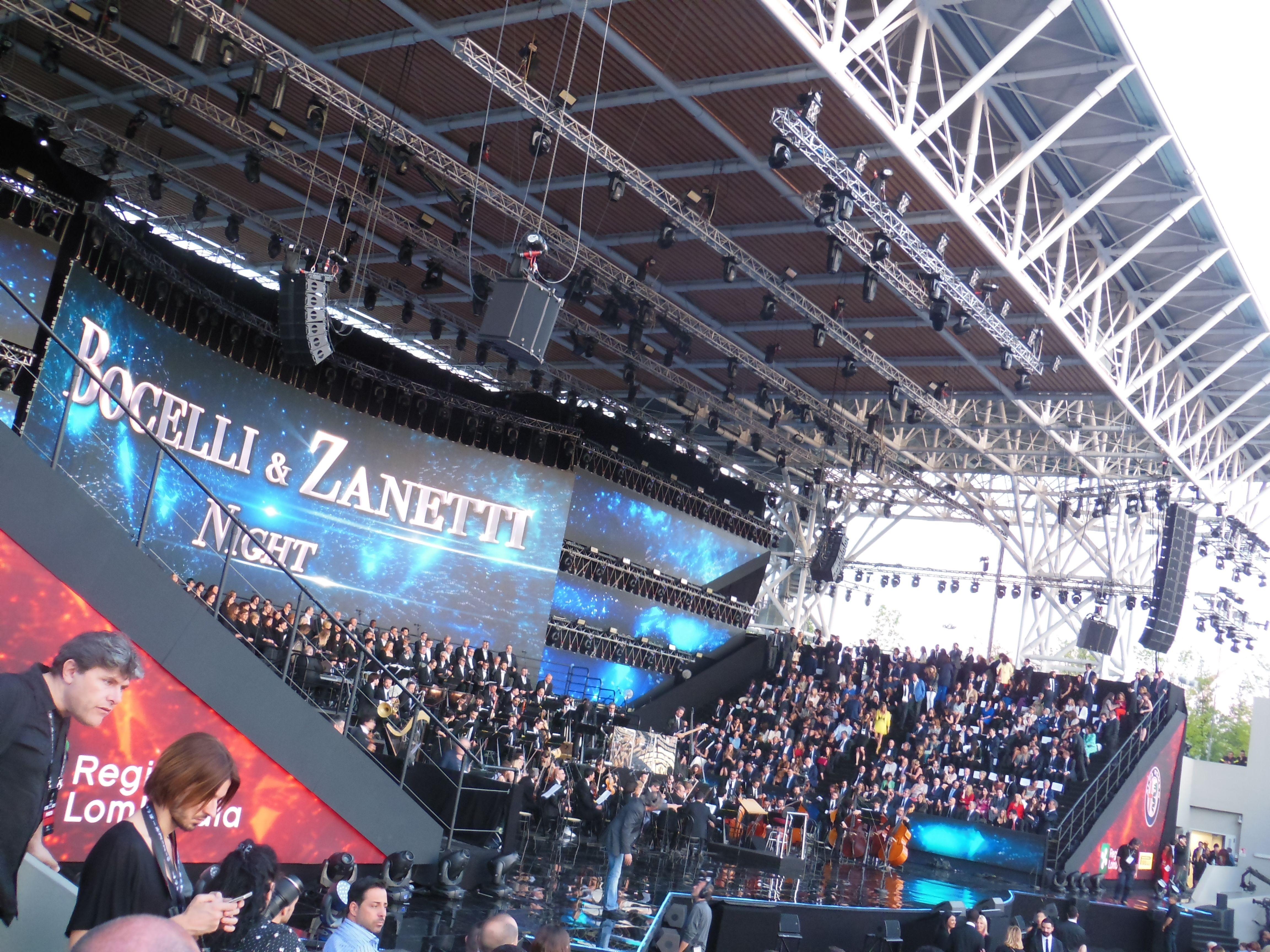 Prima dell'inizio del concerto. Picture by Alessandro