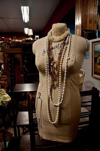15 TRULY INNOVATIVE JEWELRY STORAGE IDEAS Jewelry storage Storage