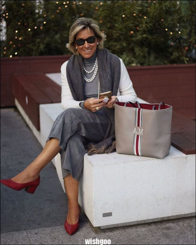 5 fashion bloggers over 50 years old on Instagram   News ... - #bloggers #fashion #instagram #News #years #over50