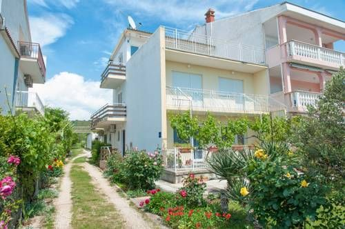 Apartments Augustin Sukosan Apartments Augustin offers accommodation in Sukošan, 10 km from Zadar and 50 km from Vodice. The air-conditioned unit is 17 km from Biograd na Moru. Free WiFi is featured throughout the property.