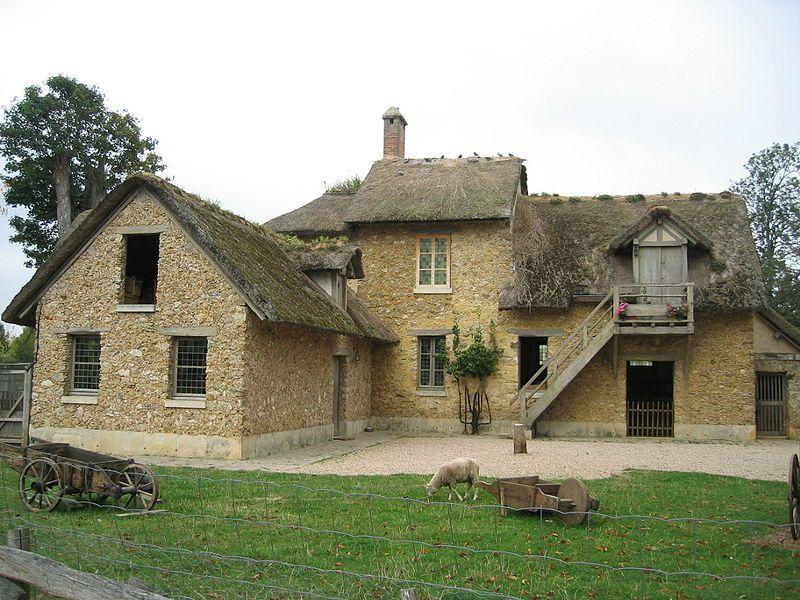 Hameau de la Reine - Maison du Fermier côté cour | Versailles, Le grand  trianon, Chateau versailles